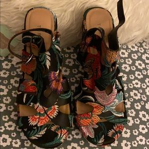Torrid Asian Inspired Wedge Sandals-Size 10W